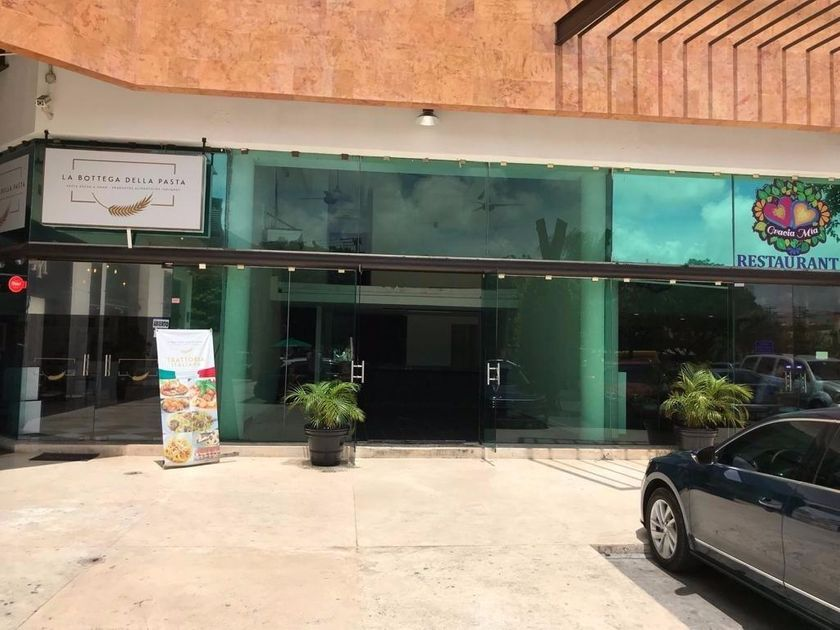 Local comercial en Renta Supermanzana11, Cancún
